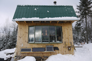 Cabin with Solar Panels winter WEB