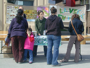 Evènement organizé pour sensibiliser les gens aux pollinisateurs.